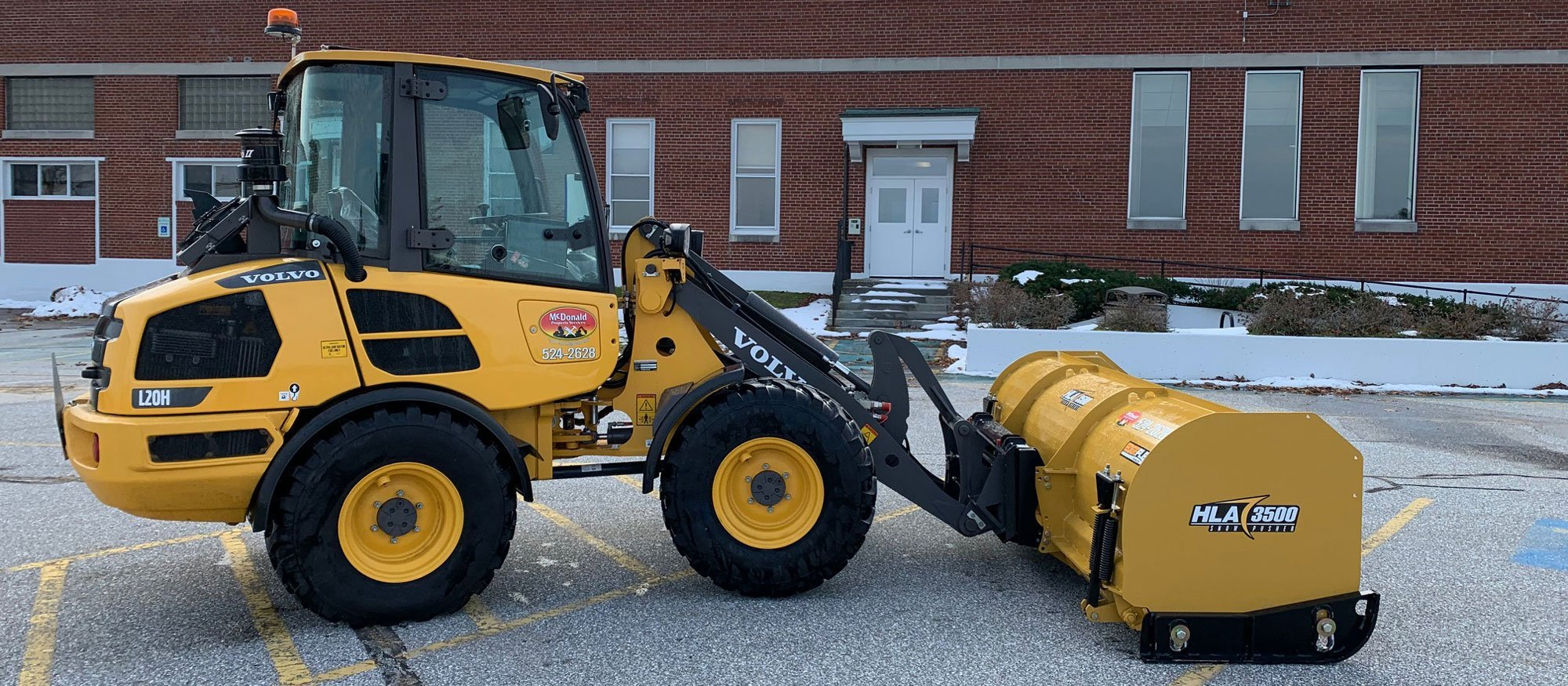 St-Albans-Commercial-Snow-Removal-by-McDonald-Property-Maintenance-Loader