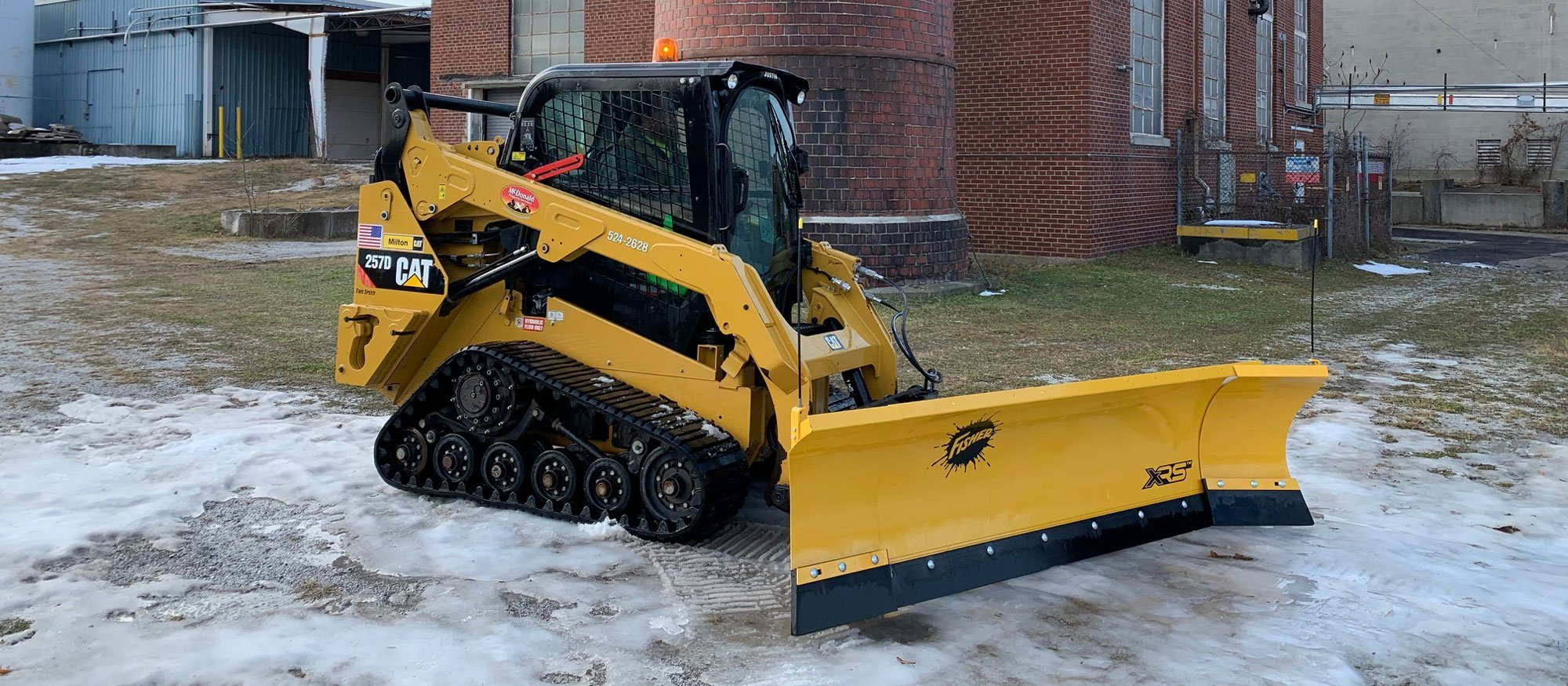 St-Albans-Commercial-Snow-Removal-by-McDonald-Property-Maintenance-Skidsteer